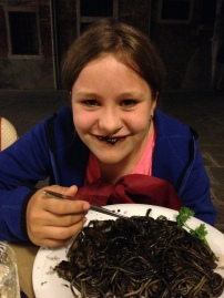 spaghetti with cuttlefish ink (the lady at the table next to us advised Della not to eat this on dates)